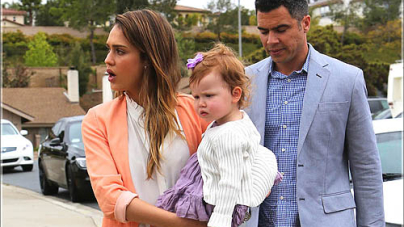 JESSICA ALBA Hanging Out At The Farmer's Market With The Family