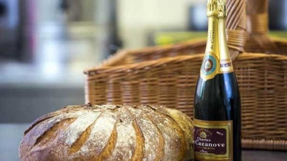 Wrexham baker Creates UK's Most Expensive loaf Costing £25