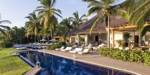 The Opulent Mexican Villa – Kim, Kanye and North Vacation