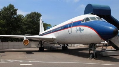 Top 10 Celebrities with the Nicest Private Jets