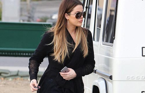 Khloe Kardashian showing off her Curvy Derriere