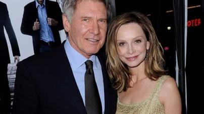 Harrison Ford passionately kisses Calista Flockhart