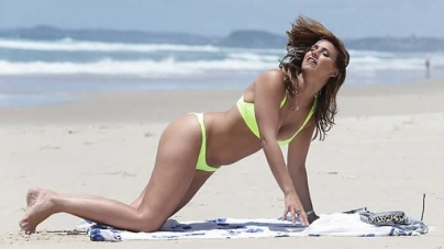 I'm A Celebrity 2015's Ferne McCann Dons Neon Yellow Bikini