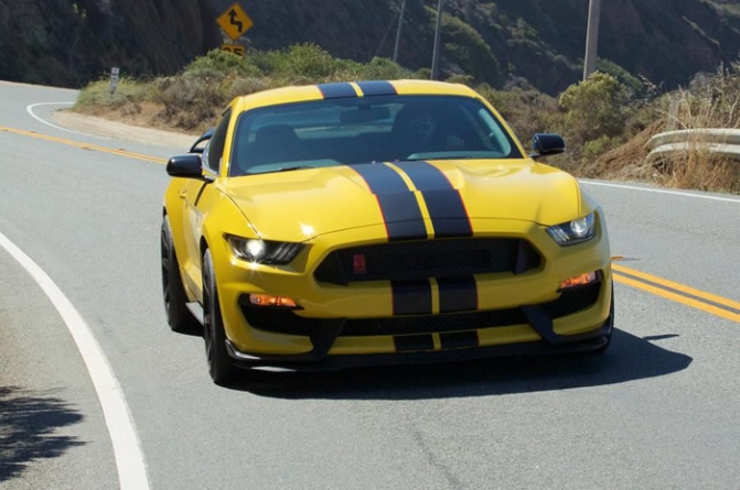 2016 Ford Shelby GT350R Mustang Review