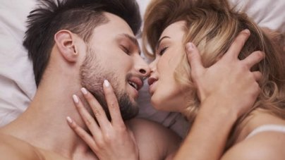 6 Things Women SECRETLY Think While Having Sex!