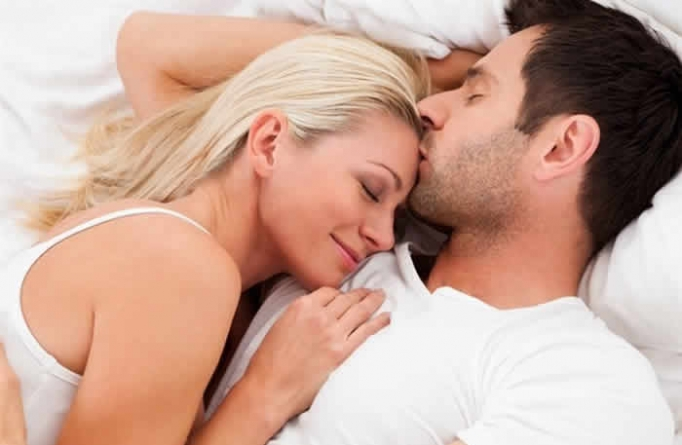 9 Rough Things Women Secretly Want in Bed