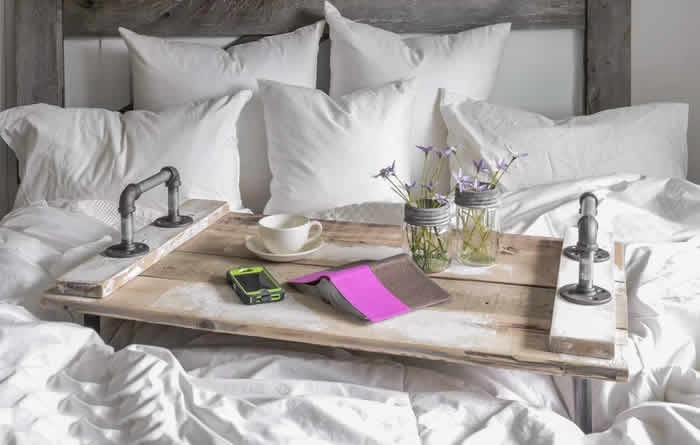 7 Tricks to Make Your Bedroom Feel Extracozy