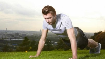 The Total-Body Workout You Can Do in an Empty Field