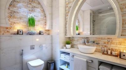 12 DIY Built-In Shelving for The Bathroom