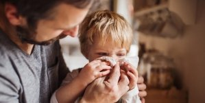 How Parents Can Tell the Difference Between Cold and Coronavirus Symptoms
