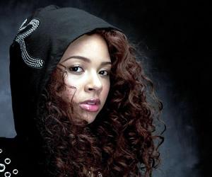 Alexis Jordan Singer