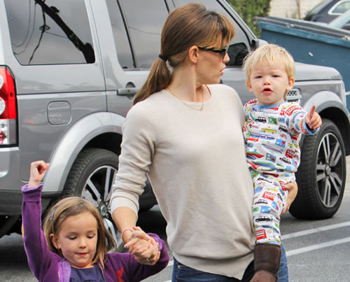 Jennifer Garner Ben Affleck's Son Samuel Has Awesome Pajamas image