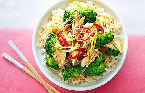 Healthy sesame garlic chicken