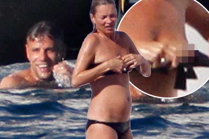 Kate Moss black bikini