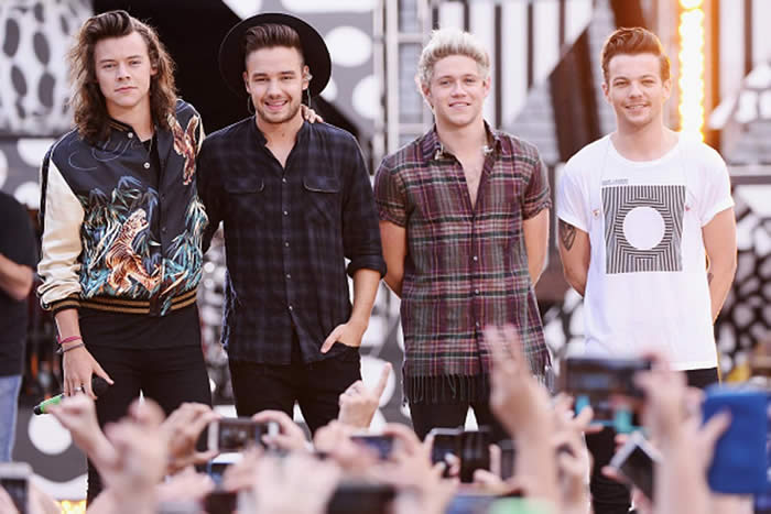 One Direction Beat Zayn Malik