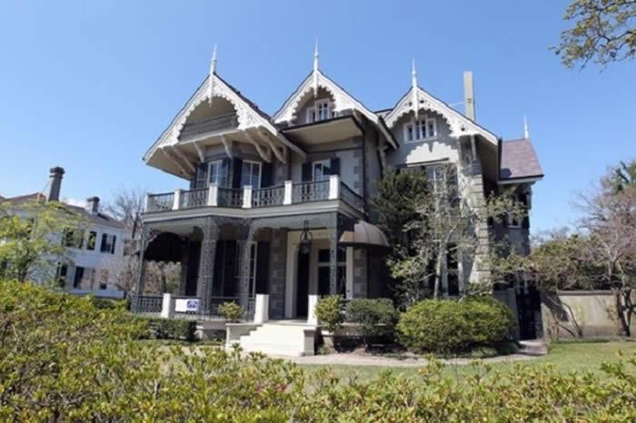 Sandra Bullock – Home Cost: $2.25 Million
