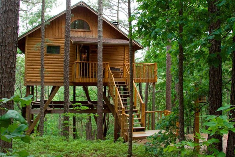 The Best Treehouse Hotels of Summer 2018