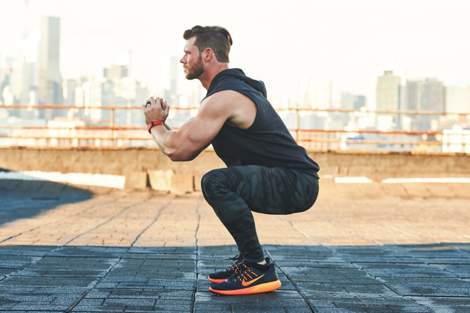 The Best 20-Minute Bodyweight Legs Workout for Busy Guys