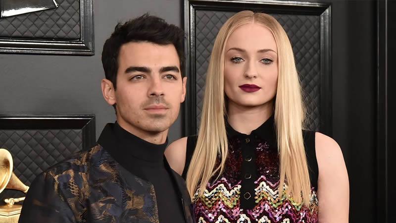 Joe Jonas Reaction to Sophie Turner Selfies