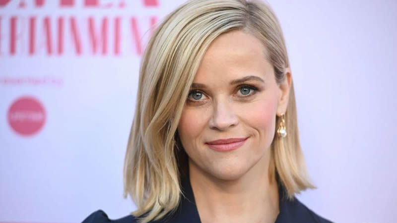 Reese Witherspoon hints at divorce